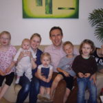 Andrea Bernhard und ihre Familie, ganz links ihre Tochter Alexandra