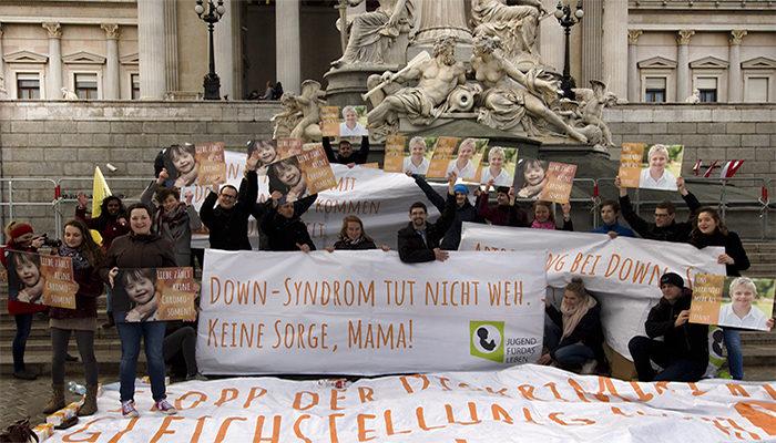 Welt-Down-Syndrom-Tag: Aktionsdemo vor Parlament gegen eugenische Indikation