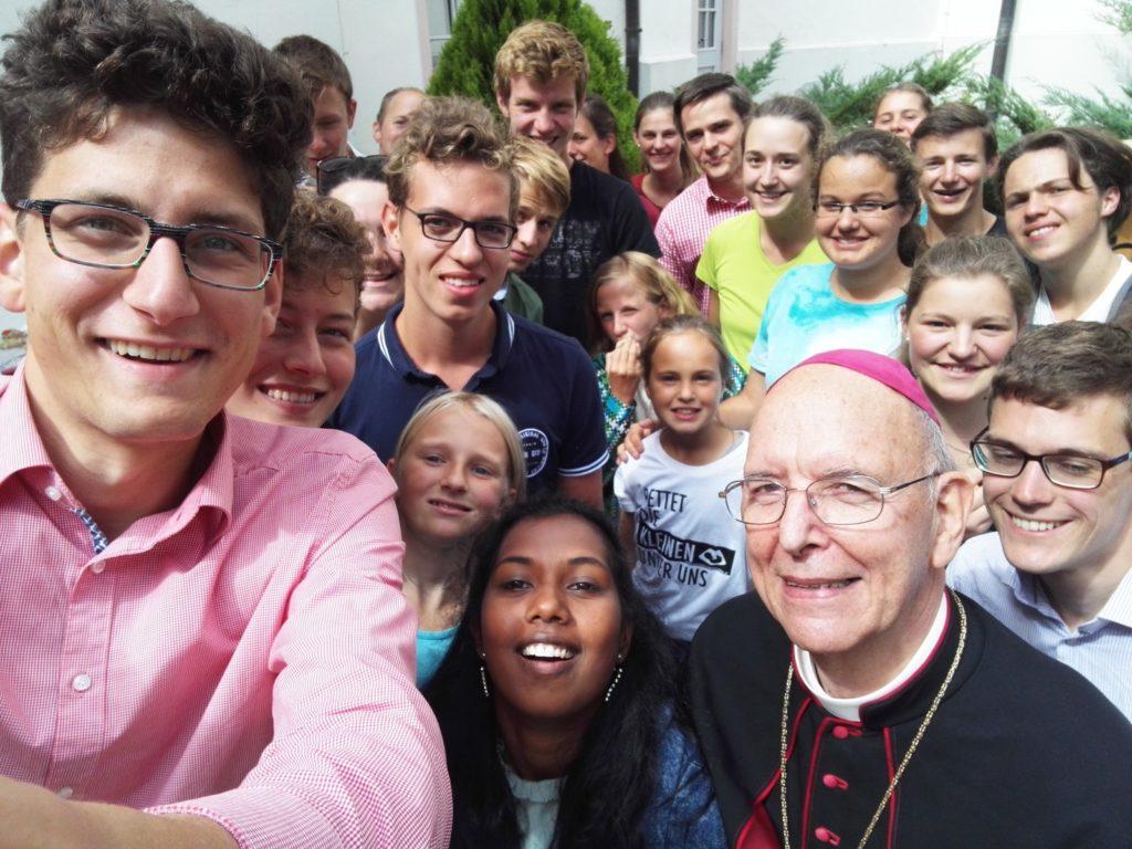 Jugend für das Leben freut sich über den Zuspruch und die Unterstützung von Bischof Klaus Küng.
