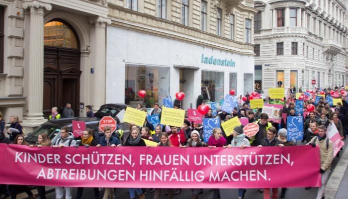 Über 2000 Teilnehmer bei österreichweiten Demos gegen Abtreibung